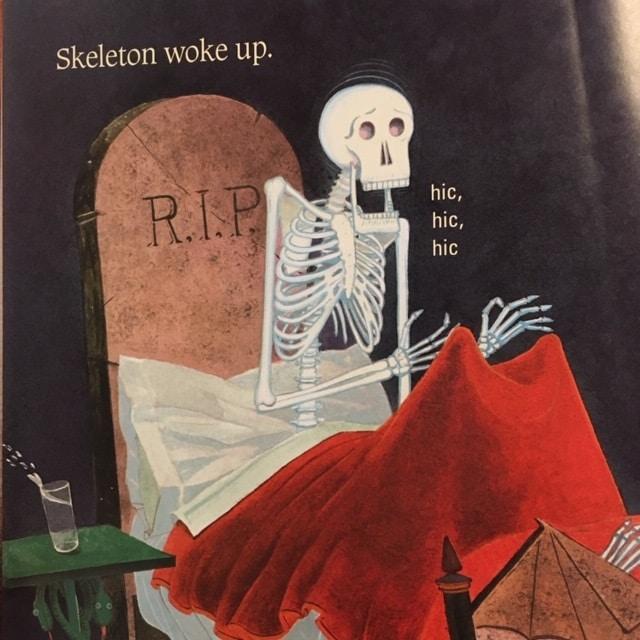 しゃっくりがいこつの英語絵本Skeleton hiccupsは子供が大喜びの1冊