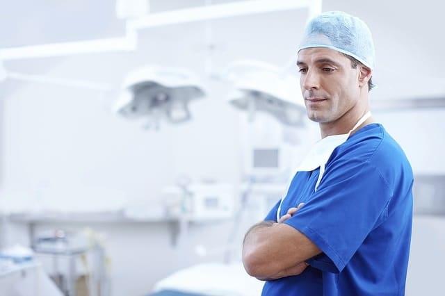 【愛育病院】帝王切開手術時にチョコレートのう腫を同時摘出