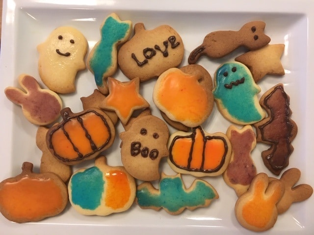 ハロウィンの準備①子供と楽しくアイシングクッキー
