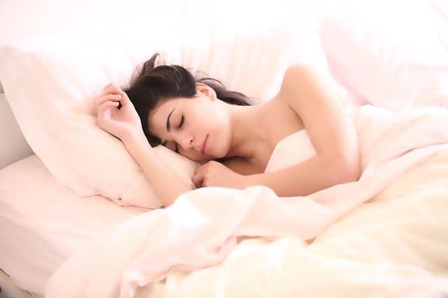 授乳中に睡眠薬(マイスリーなど)は飲んで良いの?効果は?辞め方は?